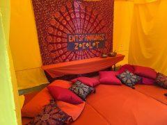 Entspannungszauber im Zelt